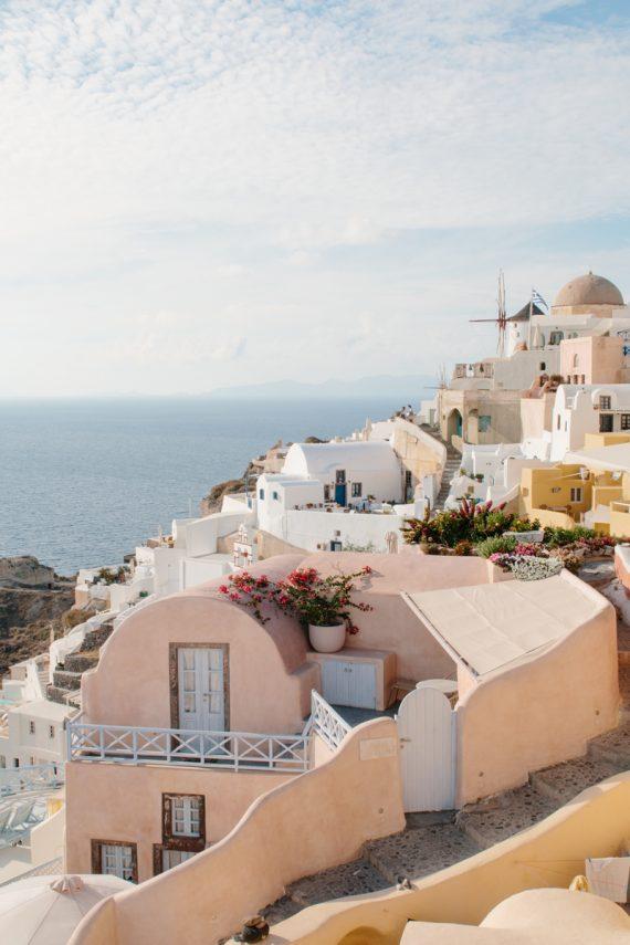 Oia-colourful-houses-Santorini